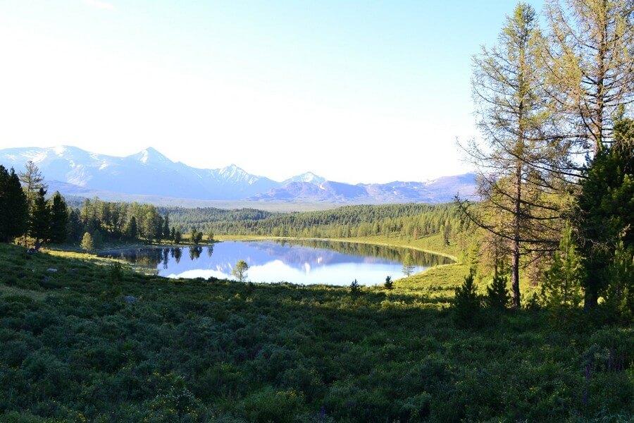 Озеро Киделю и Курайский хребет